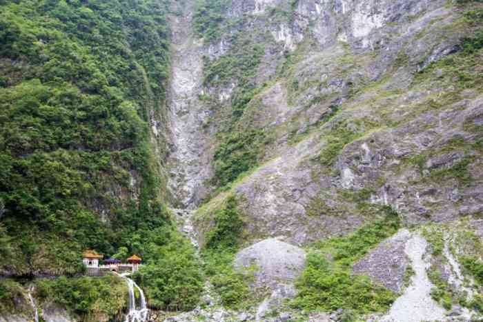 Taiwan-Taroko-Eternal-Spring-Shrine
