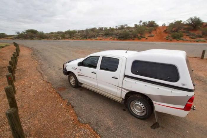 australia-outback-coke-car