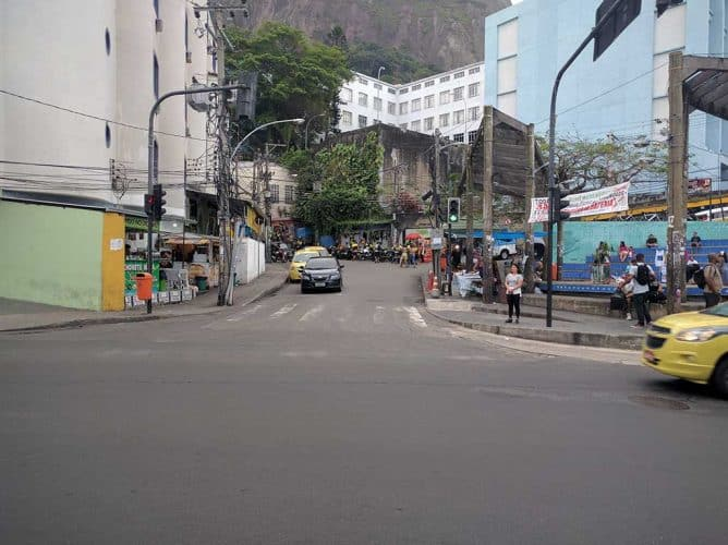brazil-rio-de-janeiro-vidigal-entrance