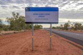 australia-outback-no-speed-limit-sign