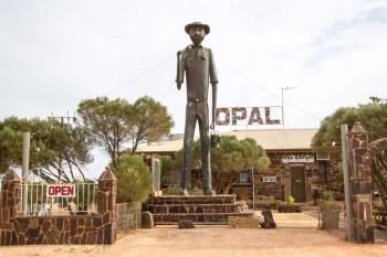 australia-outback-statue-1
