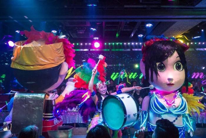 robot-restaurant-carnaval