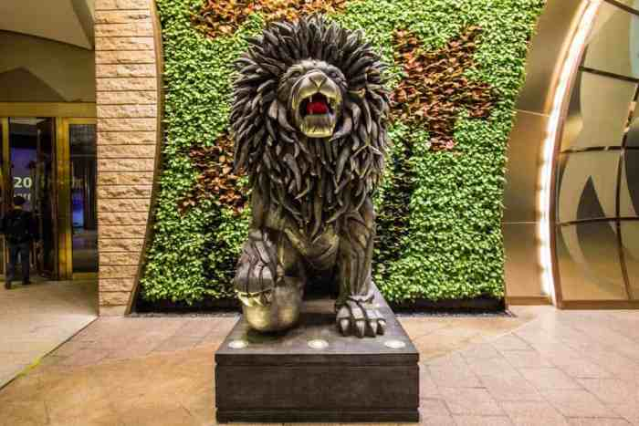 Macau-Lion-Statue
