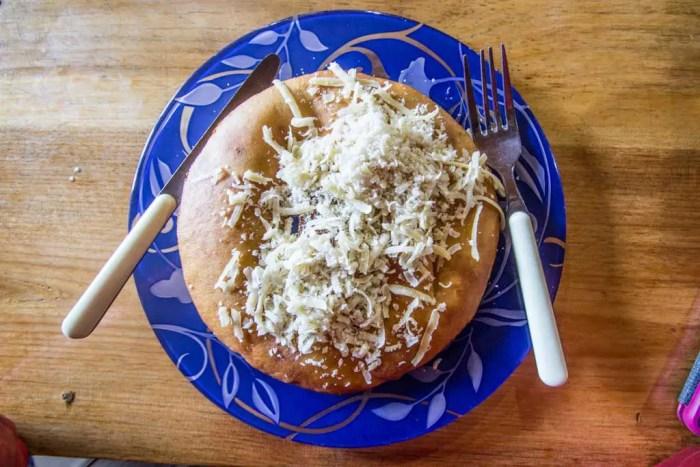 Nepal-Namche-Bazaar-Tibetan-Bread-Breakfast