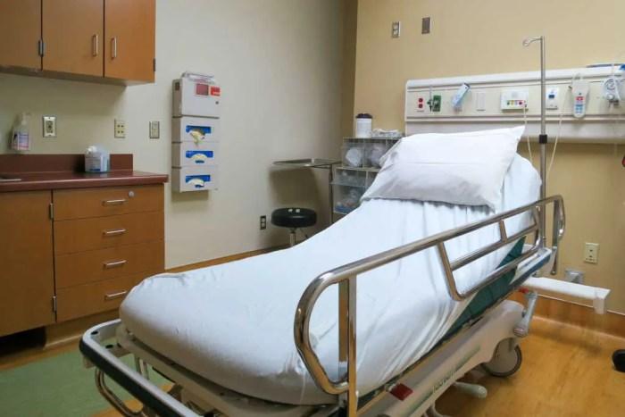 PCT-Sierra-Mammoth-Hospital