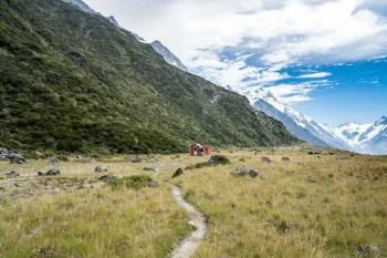 New-Zealand-Ball-Pass-Route-Ball-Hut-Far