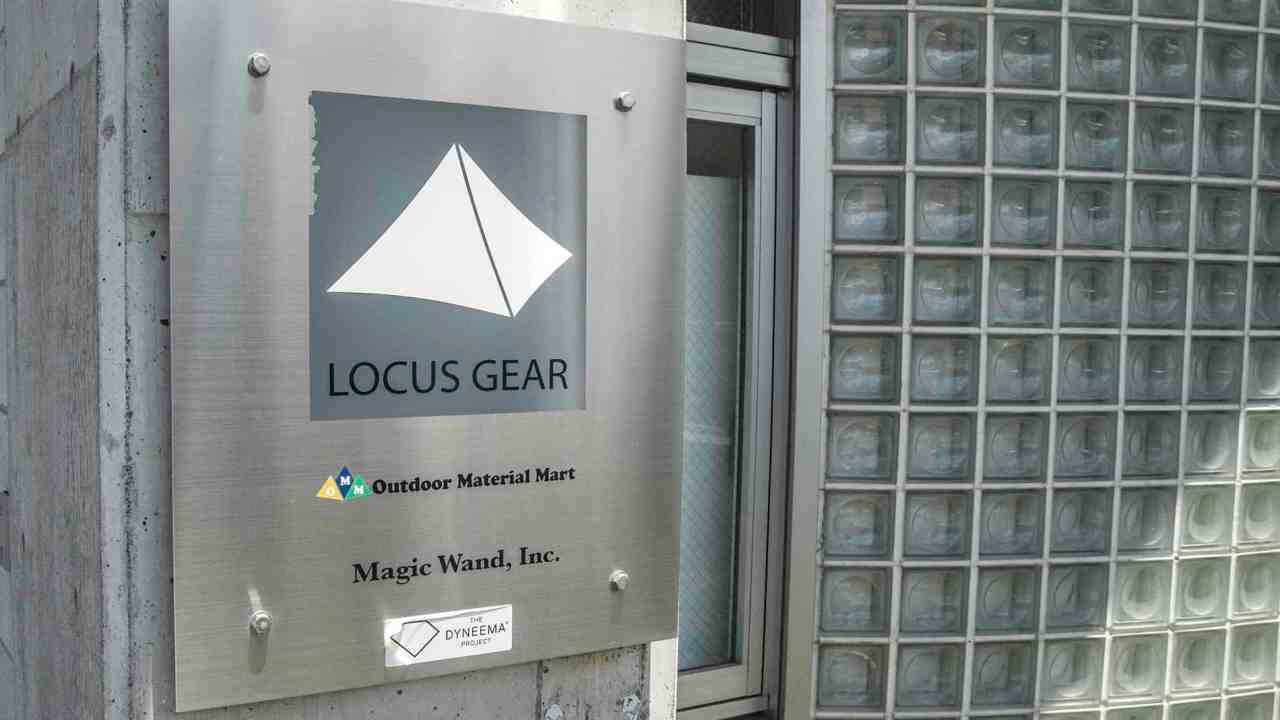 Japan LOCUS GEAR HQ Logo Sign