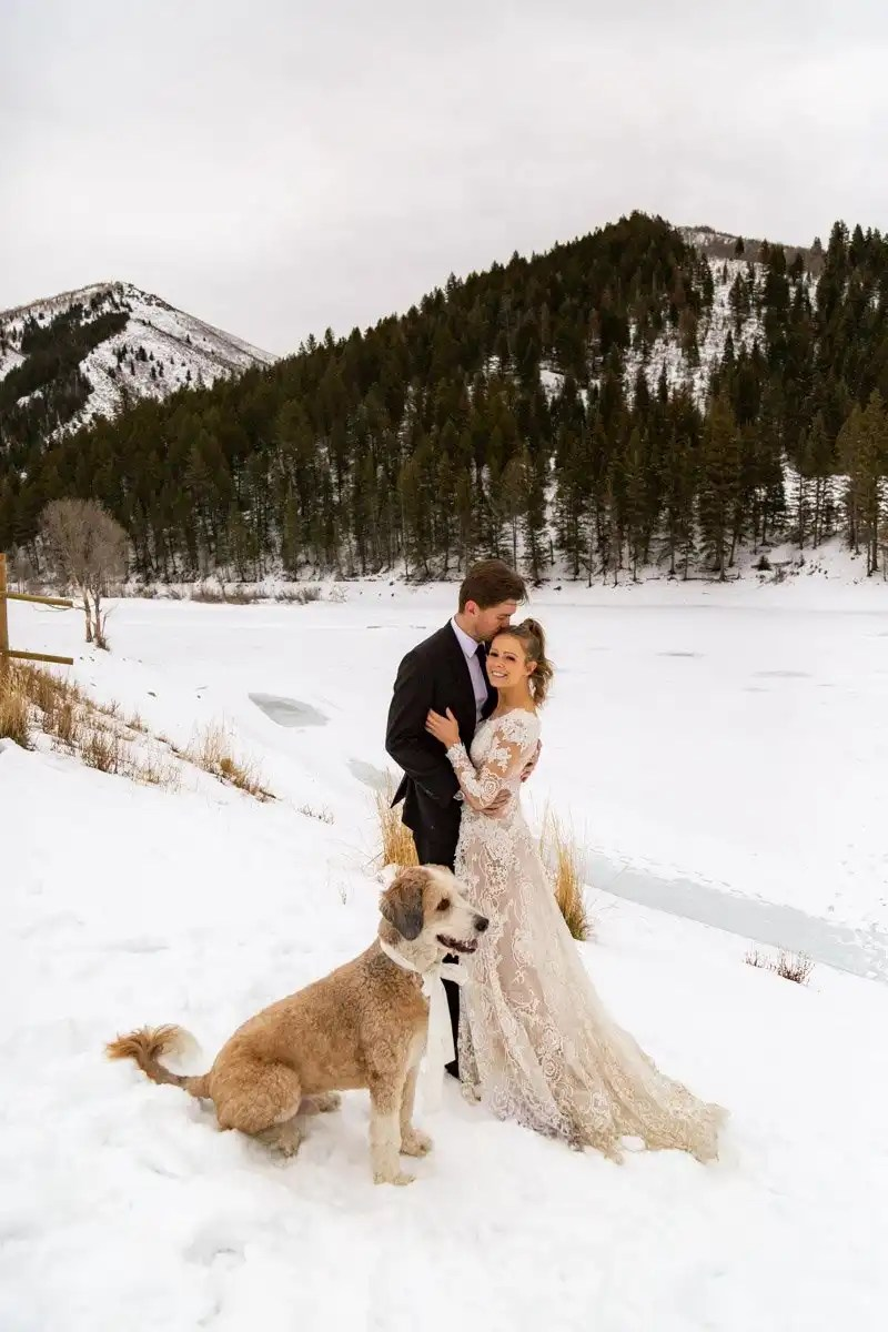 a winter elopement in utah