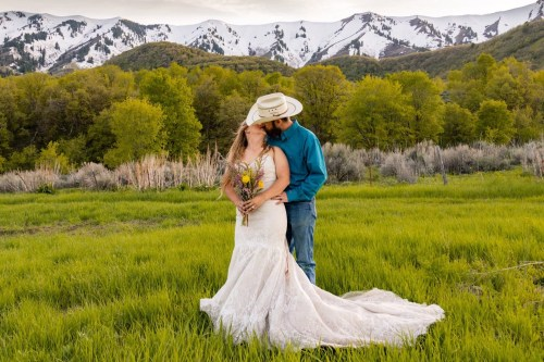 wastach mountain elopement in utah in the spring