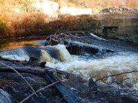 Warning – Puzzle Weir Hazard