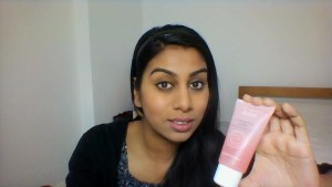 HalimaBobs with Eau Thermale Avene facial scrub