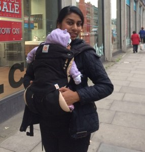 Halimabobs baby wearing with Ergo Baby sling