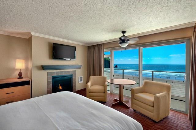 Oceanfront Queen  Hallmark Oceanfront Resorts