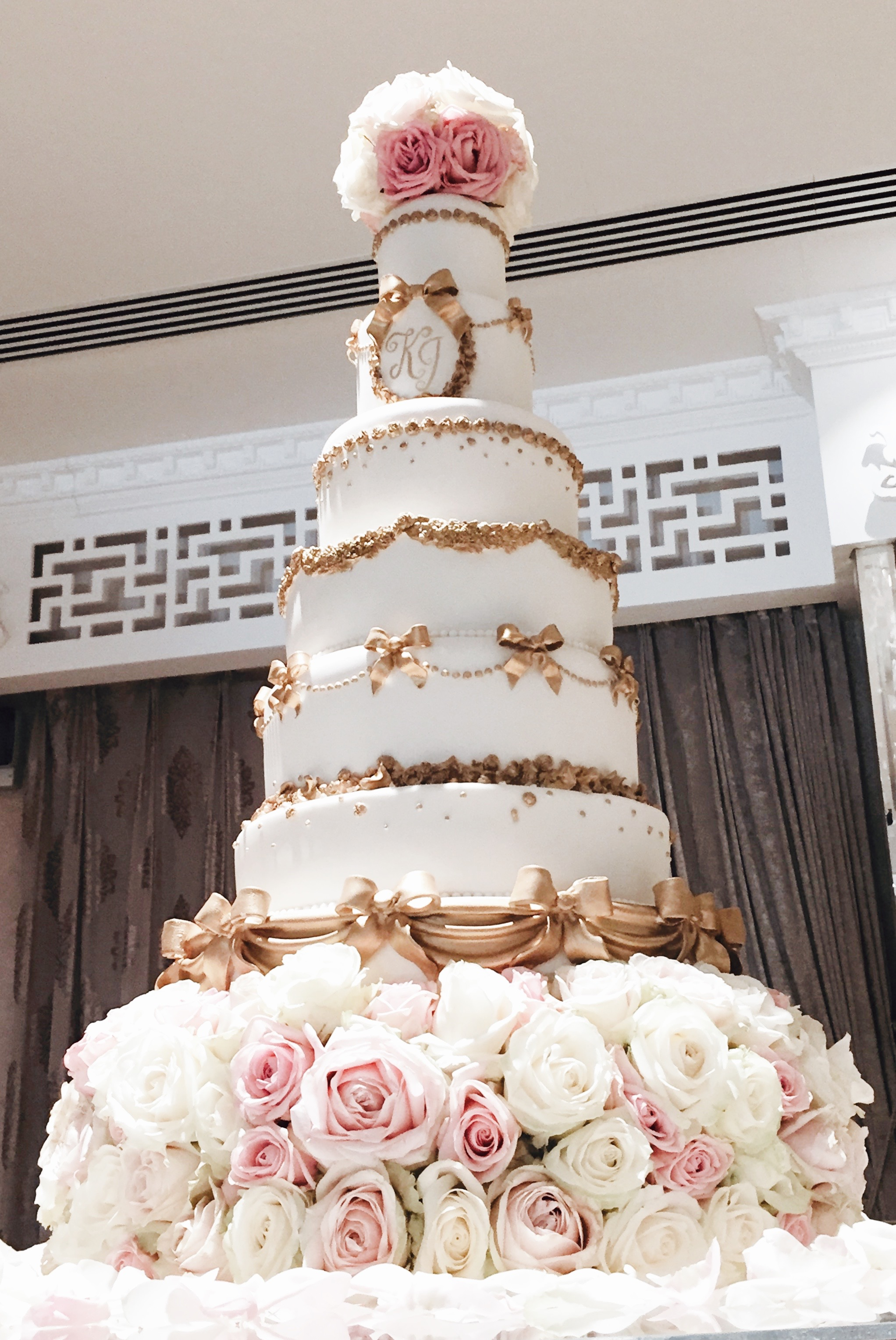 Grand Wedding Cakes London Hall Of Cakes
