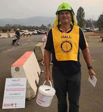 Hall Rotarian collecting for the bushfire appeal