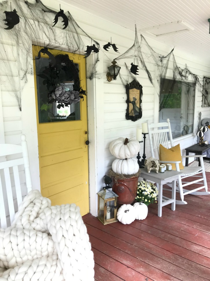 Simple Easy Halloween Porch Decorating You Can Actually Do Hallstrom Home