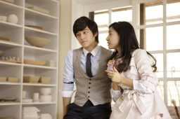 Yi Jung pretending to ignore Ga Eul