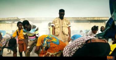 Official Video-Sarkodie – Bibii Ba Ft. Kofi Mole, LJ, Tulenkey, Frequency, ToyBoi, Yeyo, Amerado, 2Fyngers, OBkay,CJ