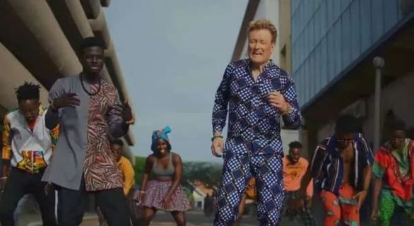 Download Video Kuami Eugene – For Love Ft Conan O'Brien
