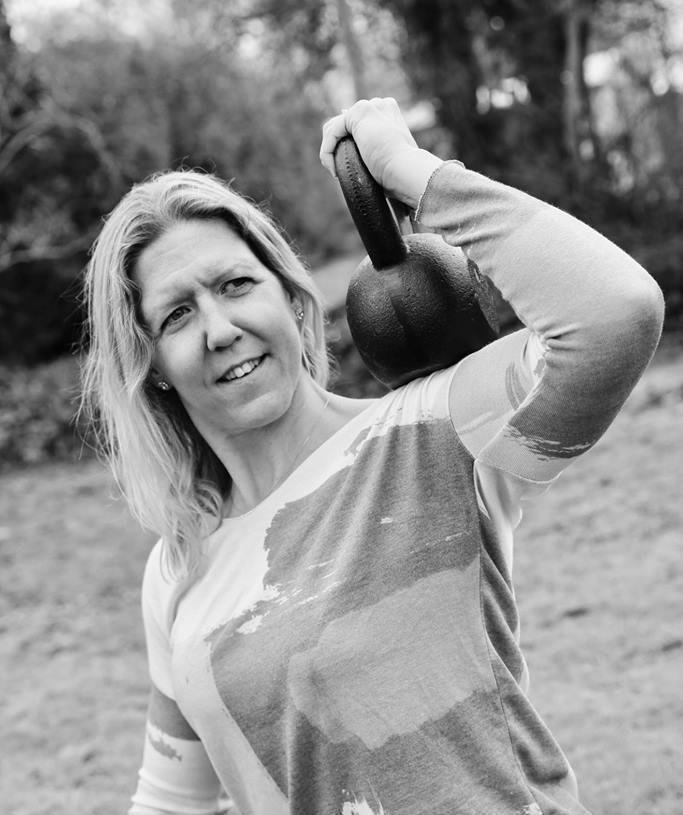 Företagshälsovård, Samantha Lerviken med kettlebell, personlig träning, gruppträning