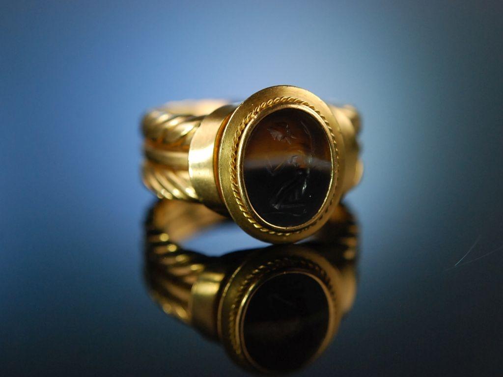 Antique Intaglio Schwerer Ring Gold 750 antikes Streifen