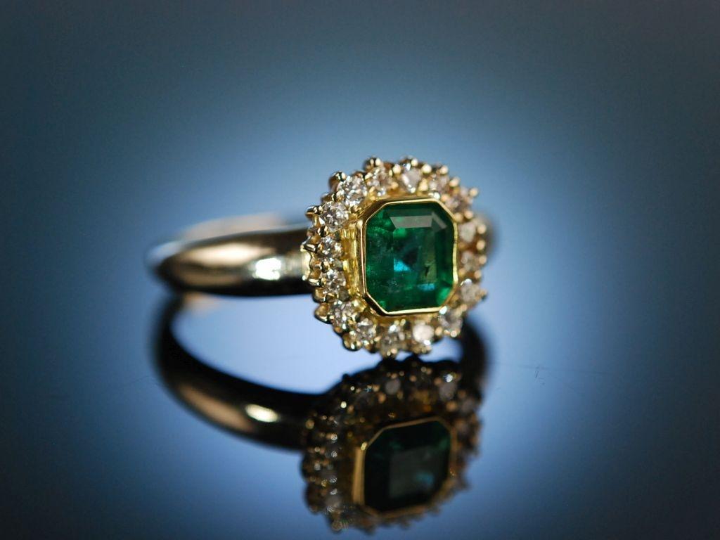 Finest Emerald Klassischer Ring Gold 750 Brillanten