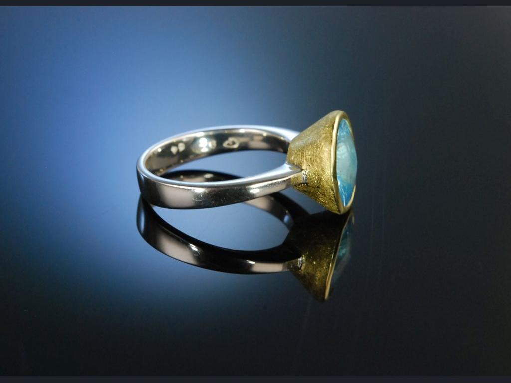 Strahlendes Blau Ring Silber vergoldet Blau Topas  25900