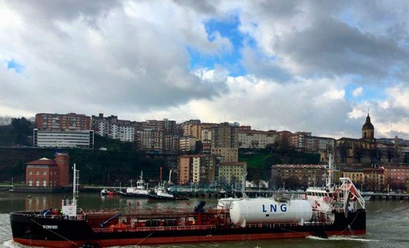 Grupo HAM ha llevado a cabo las primera pruebas de Bunkering de gas natural licuado ship-to-ship en el Puerto de Bilbao. Proyecto Core LNGas Hive