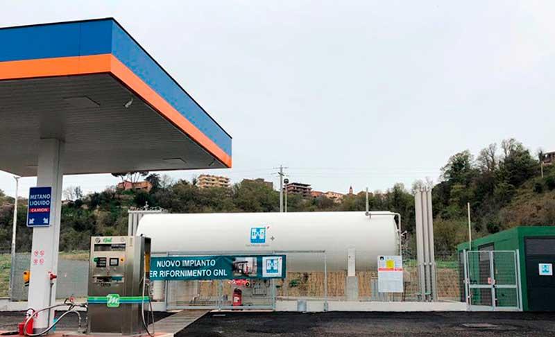 HAM Italia ha inaugurado la primera estación de gas natural licuado en Campania, caracterizada por tener un surtidor con un sistema de doble manguera