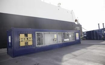 Unidad móvil GNL de Grupo HAM en el puerto de Tenerife para el proyecto Core LNGas HIVE