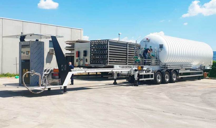HAM LNG mobile unit extendable up to 9 meters to comply with French regulations