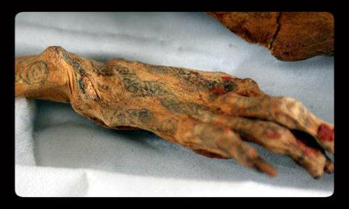 Resultado de imagen de imagen mujer egipcia antigua tatuaje