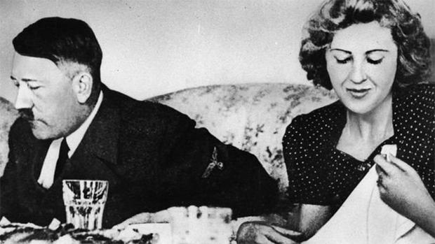 شادی رچائی، جشن منایا اور پھر خود کو گولی مار لی۔۔۔ ہٹلر کی زندگی کے آخری دنوں میں کیا حیرت انگیز واقعات رونما ہوئے؟ 1