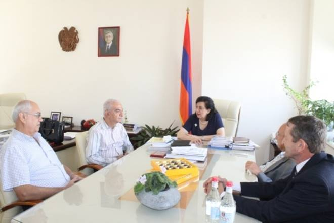 Members of the Central Executive Board of Hamazkayin Visited the Ministry of Diaspora