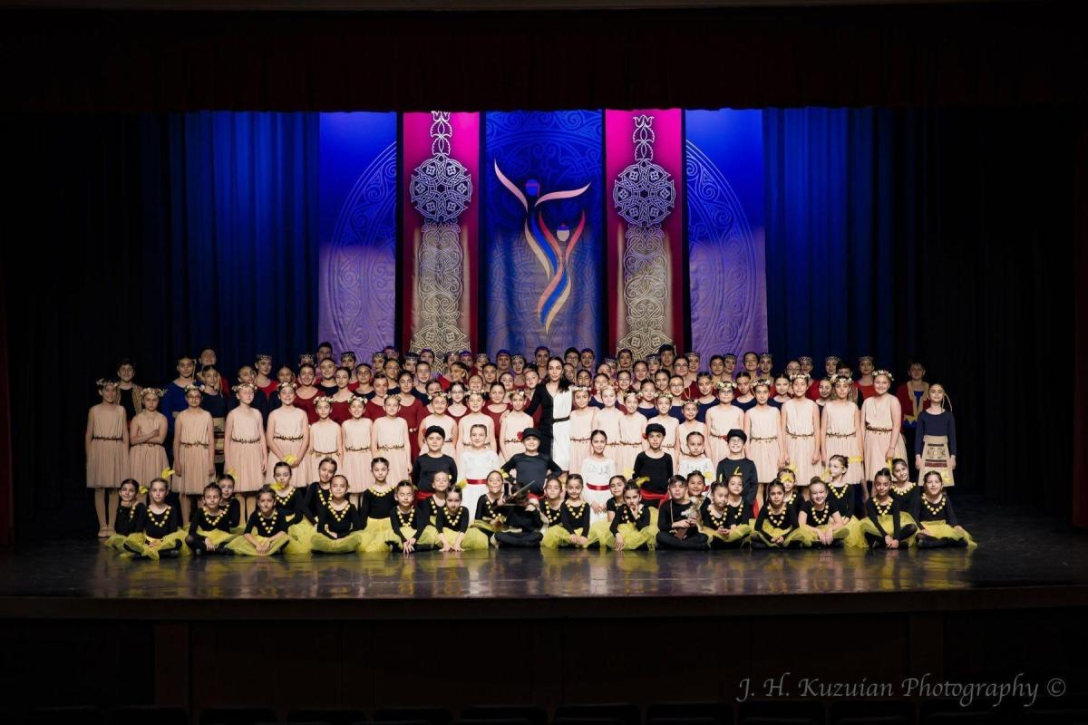 "Hamazkayin ""Artsakh"" Dance School and ""Erepuni"" Dance Ensemble Hold Annual Performance in Canada"