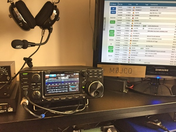 Icom 7300 and the shack setup