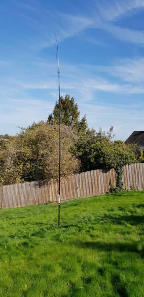 DX Commander Multi-Band vertical in the garden