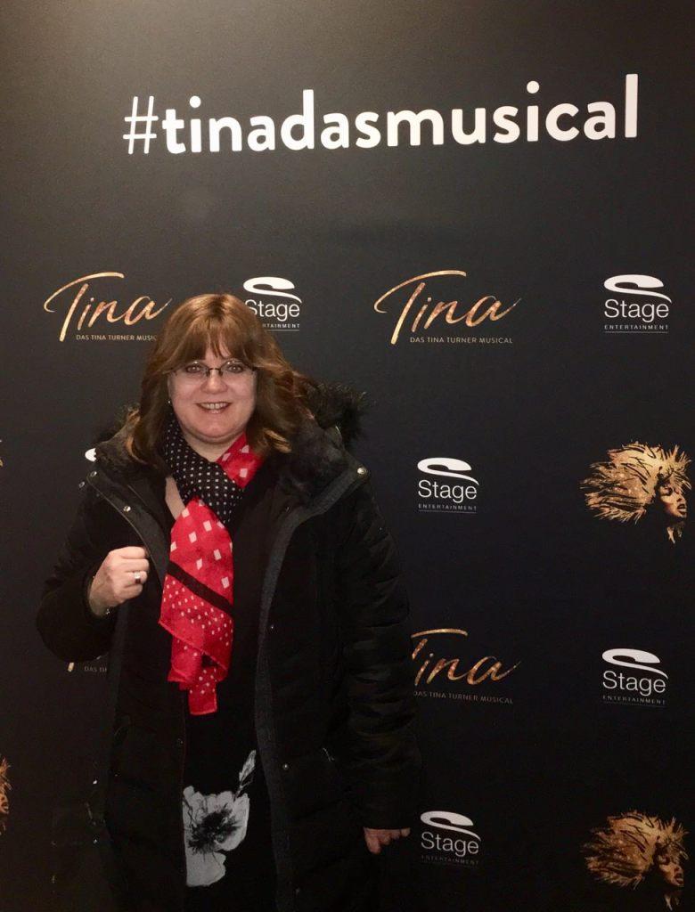 Britta Mahnke, Stadtführung Hamburg Explore bei dem Musical Tina