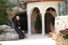 У храма св. Николая