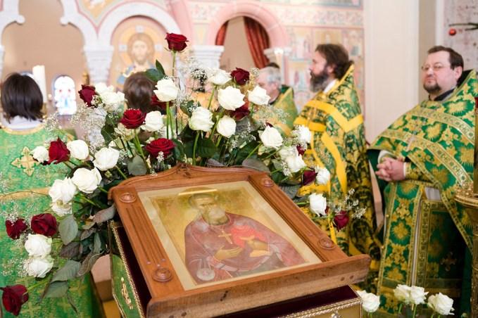 Храмовая икона св. прав. Иоанна Кронштадтского