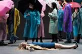 Die Stunde da wir nichts voneinander wusstenvon Peter HandkePremiere am 30. April 2015 im Thalia TheaterRegie Tiit Ojasoo und Ene-Liis Semper