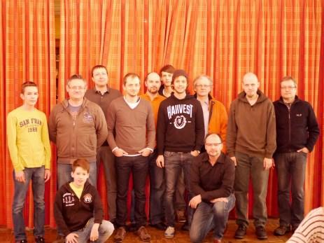 Gruppenfoto mit allen Schachfreunden des Hamelner SV
