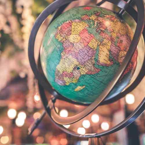 5 novelas para viajar por el mundo sin coger un avión