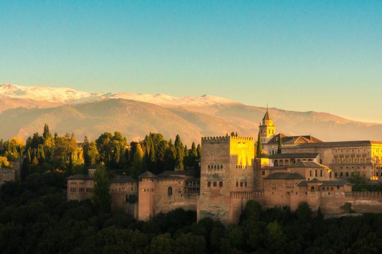 Descubre Granada A Través De Las Frases De Diez Artistas
