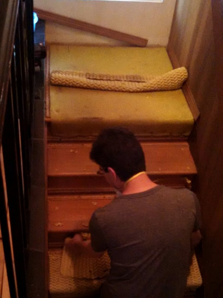 Removing carpet padding from stairs