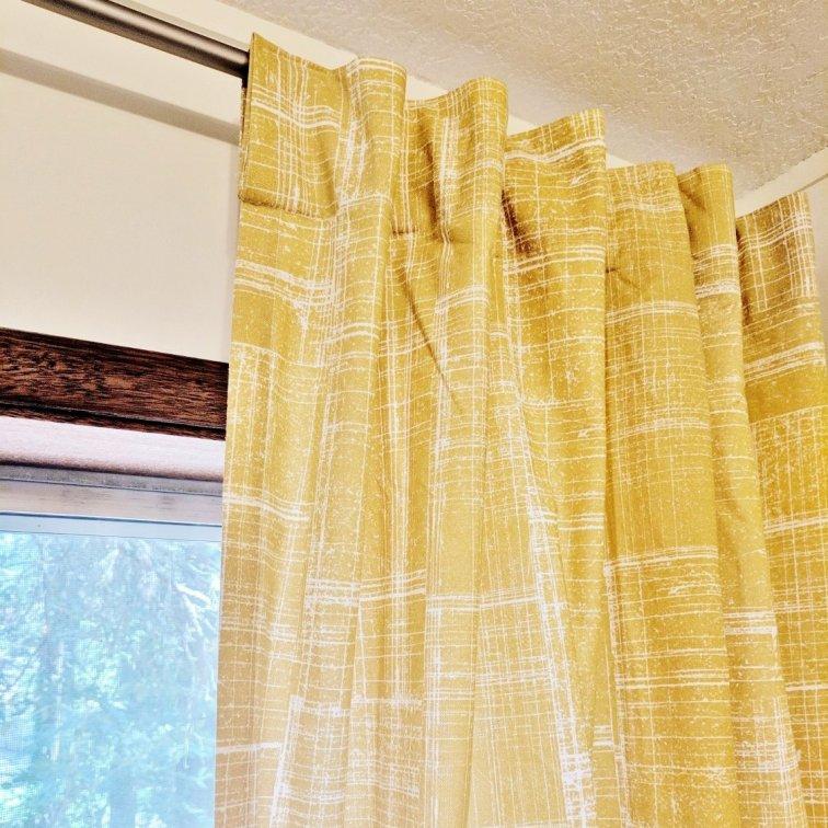 Retro yellow grid drapes