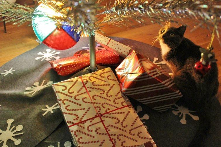 Mid-century modern DIY Christmas tree skirt and cat under the tree