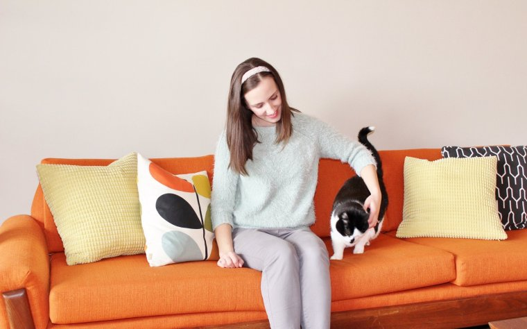 Tara Besore and cat Charlie at Hammer & a Headband, mid-century modern home blog