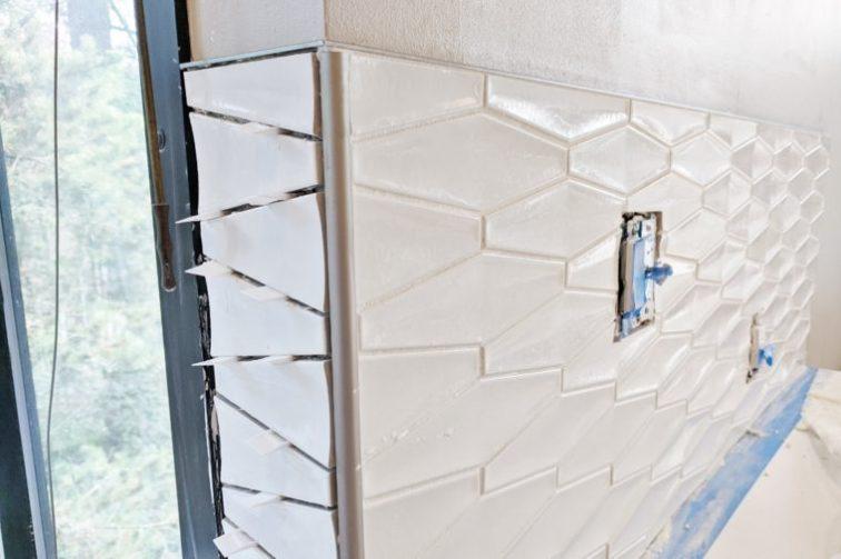 Using metal edging around 3D geometric backsplash tile