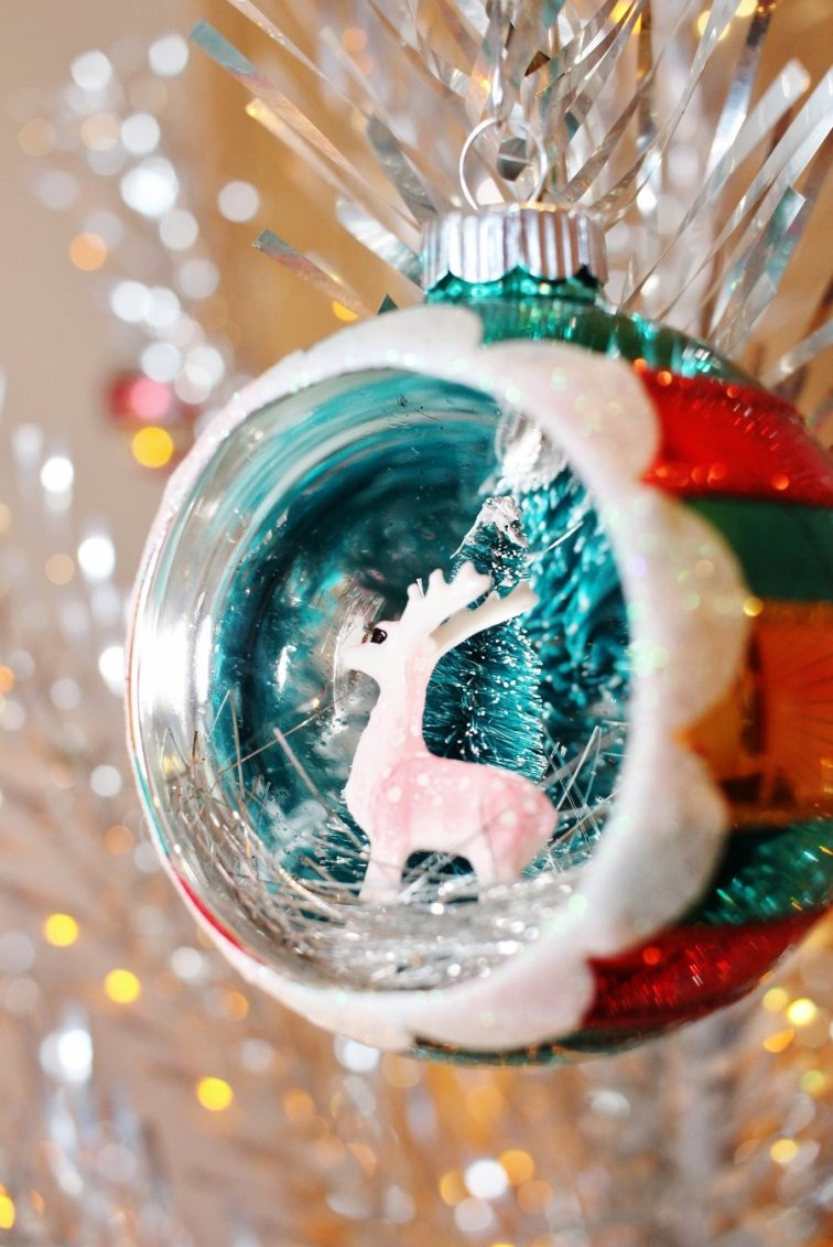 Reindeer diorama ornament by Shiny Brite